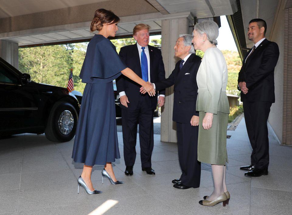 6. November 2017  First Lady Melania und US-Präsident Donald Trump werden von Kaiser Akihito und Kaiserin Michiko empfangen.