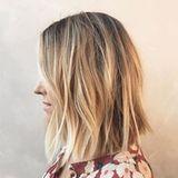 """Drei Monate nach der Geburt ihres Sohnes überrascht Reality-Star Lauren Conrad mit einer neuen Frisur. Ihr Haar ist deutlich kürzer, sie trägt nun einen """"After-Baby-Bob"""". Der Grund hinter dem Cut ist nämlich ihr Sohnemann: """"Ich muss mein Haar föhnen, wenn er schläft. Und das dauert meist nicht lange. Weniger Haar bedeutet also weniger Zeit."""""""