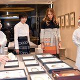 6. November 2017  Das dürfte etwas mehr nach Melanias Geschmack sein: Mit Japans First Lady wird eine Perlenschmuck-Produktion besucht. Ob da etwas für Frau Trump dabei ist?