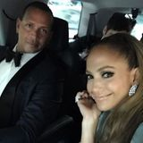 2. Mai 2017  Auf dem Weg zu der berühmten Met Gala schießen Jennifer und Alex ein Pärchenselfie direkt aus ihrem Taxi heraus.