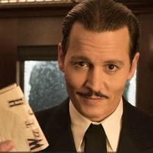 Was führt der verdächtig wirkende Geschäftsmann Ratchett (Johnny Depp) im Orientexpress im Schilde?