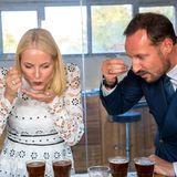8. November 2017  Bei ihrem Besuch in Äthiopien steht für Prinzessin Mette-Marit und Prinz Haakon auch eine Kaffee-Verkostung mit auf dem Programm.