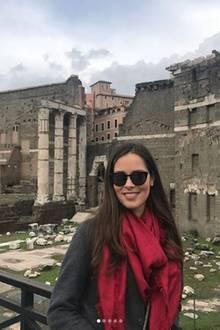 11. November 2017  In Italiens Hauptstadt gehen Ana und Basti auf Sightseeing-Tour. Auch wenn das Wetter nicht mitzuspielen scheint, strahlt Ana vor den imposanten Sehenswürdigkeiten.