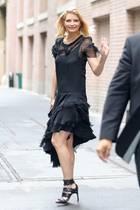 In den kommenden Jahren dreht sich bei Mischa Barton das Gewichtskarussell weiter. Und wie! Mal ist sie superschlank, dann ist sie plötzlich wieder mehr. Im Juli 2017 scheint es jedoch zu stoppen. Die Schauspielerin hat wieder eine Topfigur und wirkt ausgeglichener denn je.