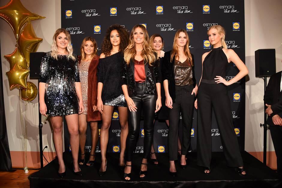"""Heidi Klum inmitten ihrer Models bei der Präsentation ihrer neuen """"Lidl-Kollektion"""" in der Nähe von Berlin"""