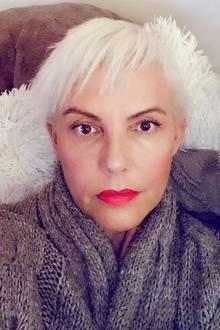 """""""Nicht denken, nicht reden..Machen"""", schreibt Natascha Ochsenknecht zu diesem Instagrambild. Das einstige Model hat sich einer radikalen Veränderung unterzogen und trägt das platinblonde Haar nun in einem angesagten Pixie Cut."""