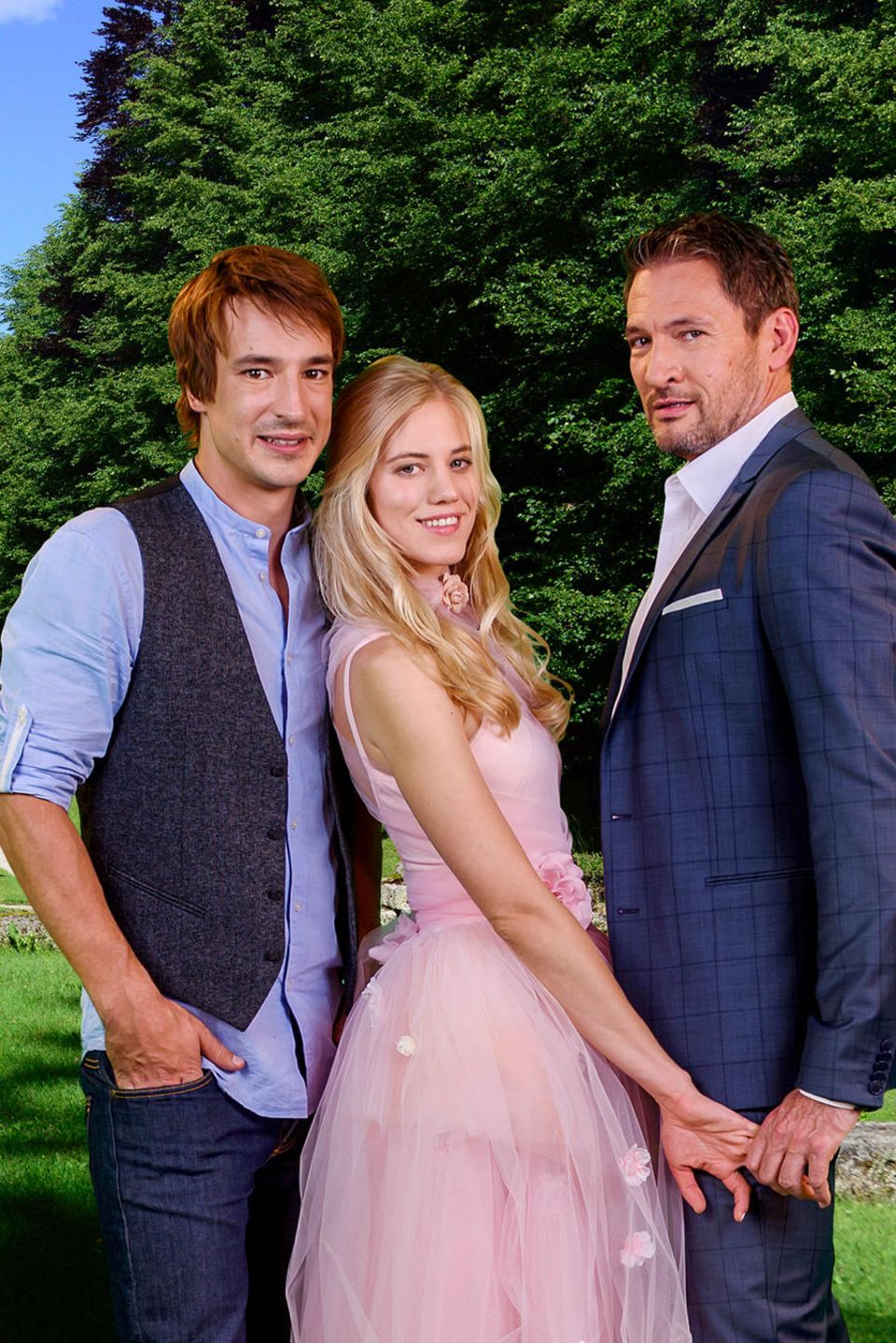 """Sebastian Fischer, Larissa Marolt und Dieter Bach (v.l.n.r.) sind das neue Liebes-Trio der 14. Staffel von """"Sturm der Liebe"""""""