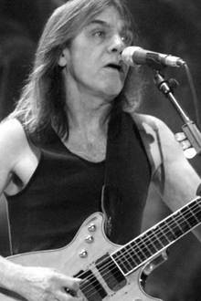 Malcolm Young (†)