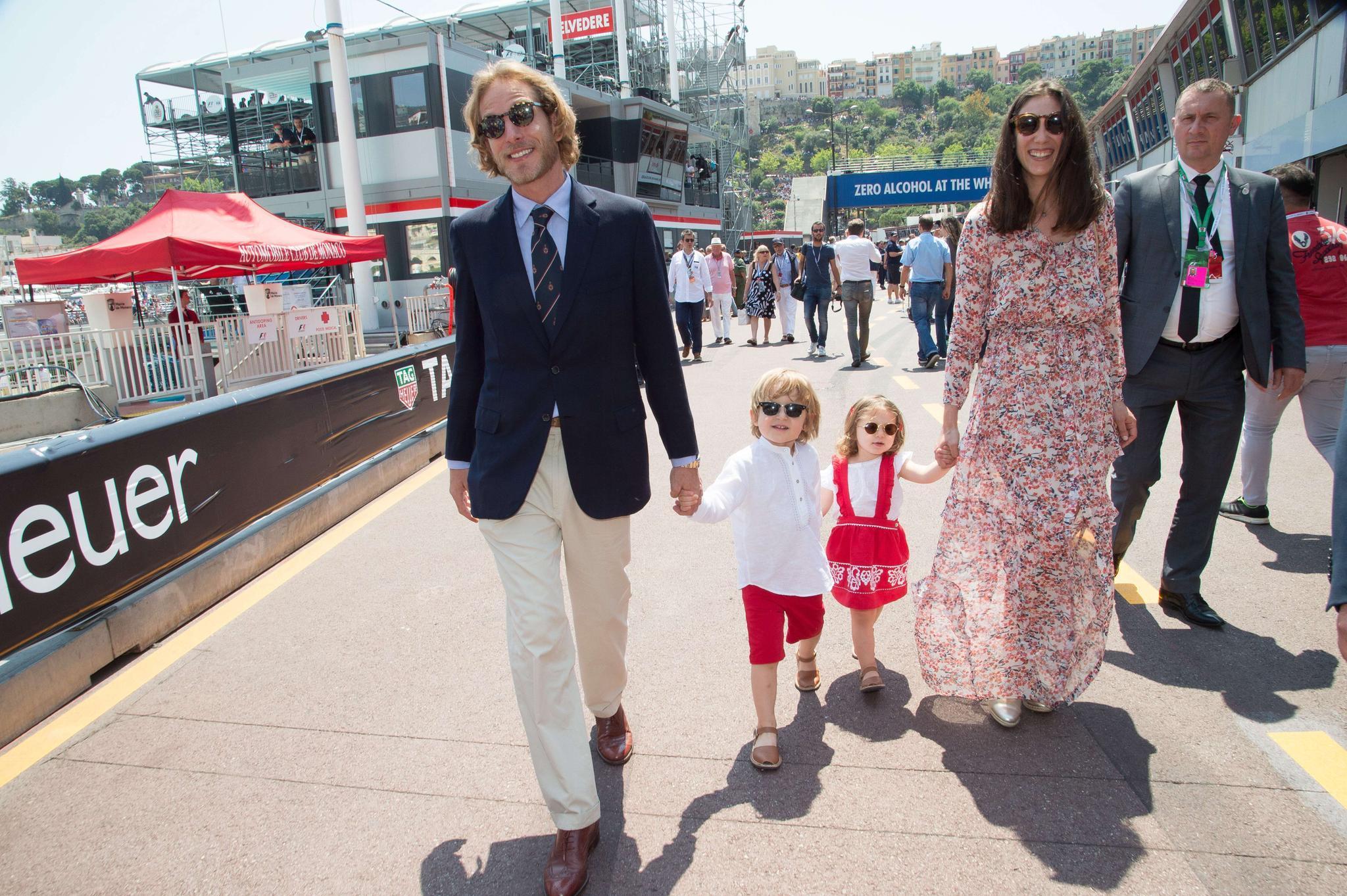 Andrea Casiraghi und Ehefrau Tatiana mit ihren Kindern Sacha (l.) und India (r.)
