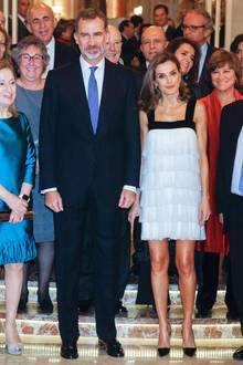Bei ihrer schlanken, durchtrainierten Figur kann sich Königin Letizia so einen aufreizenden Look aber auch erlauben.