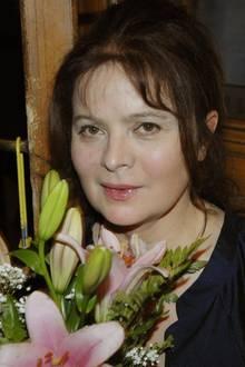 In den folgenden Jahren spielt Libuše Šafránková ausschließlich in tschechischen Produktionen mit und zieht sich 1990 komplett zurück. Nur 2008 bekommen wir sie noch einmal zu Gesicht (Foto). Als sie 2015 eine Verdienstmedaille überreicht bekommen soll, lässt sie sich von ihrer Schwester vertreten. Der traurige Grund: Sie ist in an Lungenkrebs erkrankt.