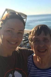 """""""Habe ich dir je gesagt, wie dankbar ich bin deine Tochter zu sein? Ich vermisse dich"""", postet eine emotionale Jennifer Garner. Die süßen Worte sind selbstverständlich an ihre Mutter Patricia Ann Garner gerichtet."""