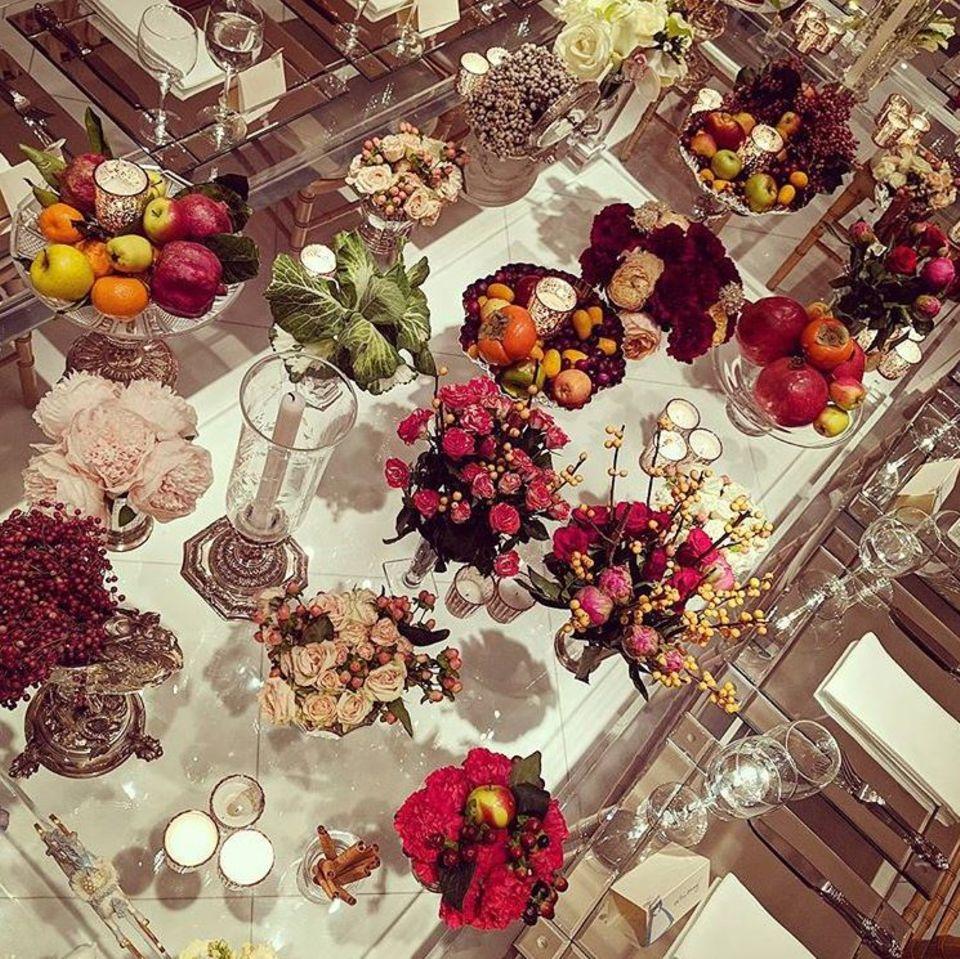 Wie ein gedeckter Tisch zu Thanksgiving bei Nicky Hilton aussieht? Pompös natürlich!