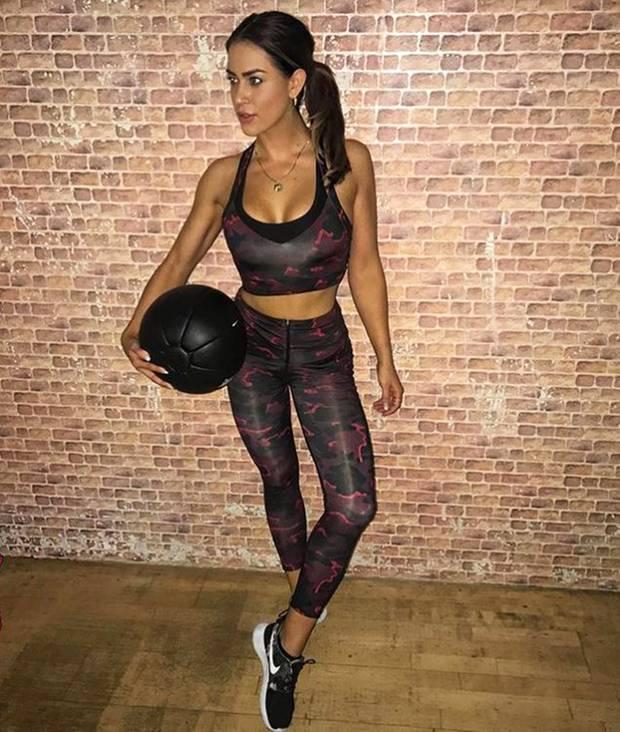 """Nach der Trennung von ihrem Auserwählten David Friedrich lenkt sich """"Bachelorette"""" Jessica Paszka mit extrem viel Sport ab. Doch übertreibt sie es vielleicht ein wenig? Ihre Fans sind in großer Sorge und finden sie viel zu dünn, sogar als magersüchtig wird sie bezeichnet."""