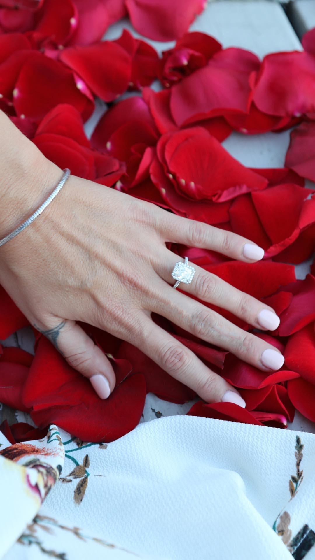 Der Verlobungsring von Giacomo Gianniottis Freundin Nichole