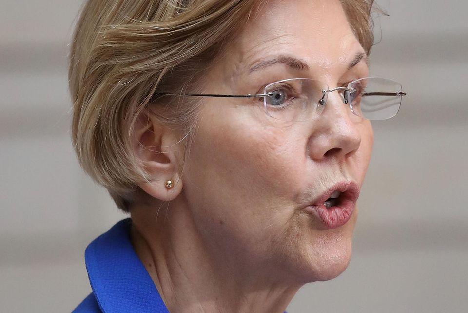 Elizabeth Warren wird von Donald Trump beleidigt