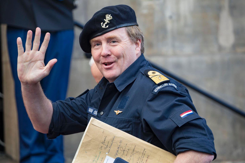 König Willem-Alexander in Marine-Uniform