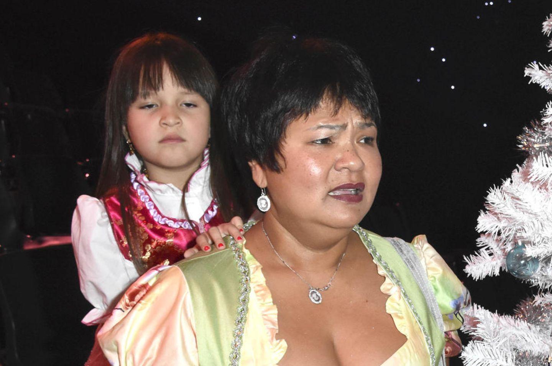 Narumol mit ihrem Mann Josef und Tochter Jorafina