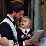 """""""Kannst Du mir was vorlesen?"""", scheint Prinz Alexander hier zu denken."""