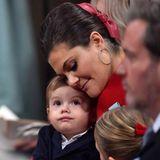 Inniger Moment zwischen Prinz Oscar und seiner Mutter Victoria.