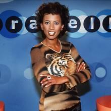 """Wer in den 90er-Jahren nachmittags den Fernseher anschmiss, konnte sich sicher sein, dass er Arabella Kiesbauer zu Gesicht bekam. Mit ihrer Show """"Arabella"""" gehörte sie bis 2004 zu den größten Moderatoren Deutschlands. Als der Hype um die Talkshows abebbte, verschwand auch Arabella nach und nach aus dem Tv. Wie sieht sie also heute aus?"""