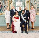 High Five für die Taufpaten:Carolina Pihl, Thomas de Toledo Sommerlath, Sara Hellqvist, Oscar Kylberg und Prinzessin Madeleine (.l.)