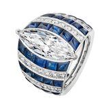 Maritim: Blau-weißer Streifenring mit einem Stein im Navette-Schliff, von Chanel