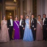 Die königliche Familie posiert für die Fotografen.