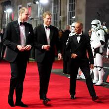 "Prinz William und Prinz Harry bei der ""Star Wars""-Premiere in London"