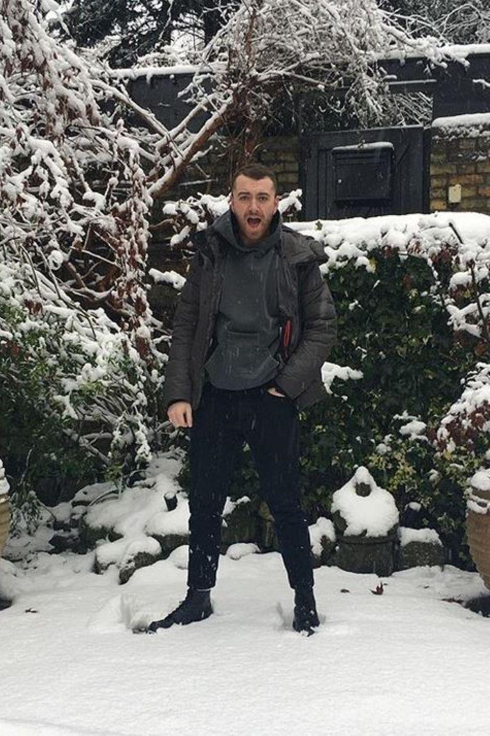 Sam Smith freut sich sehr über den Schnee zur Weihnachtszeit.