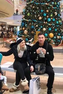 12. Dezember 2017  In weihnachtlicher Vorfreude pausiert Familie Katzenberger-Cordalis, bevor es weiter auf die Suche nach passenden Geschenken für die Liebsten geht.