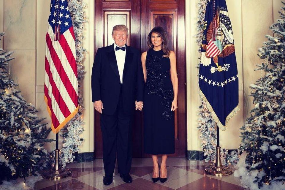 """Donald Trump und Melania Trump wünschen mit diesem Foto """"Frohe Weihnachten"""""""