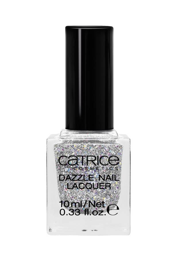 """Nagellack mit Silbersplitter: """"Dazzle Nail Lacquer – Gem of Stones"""" von Catrice, ca. 4 Euro, limitiert"""