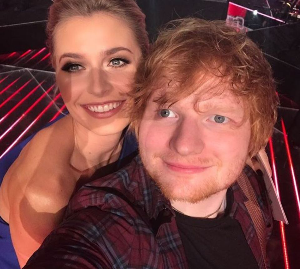 "18. Dezember 2017  ""Mein Fan-Girl-Moment mit Ed Sheeran"", postet ""The Voice of Germany""-Moderatorin Lena Gercke."