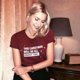 """""""This Christmas will be all about you"""" - Lena Gercke setzt mit diesem Shirt ein niedliches Fashion-Statement. Vielleicht an ihren Liebsten?"""