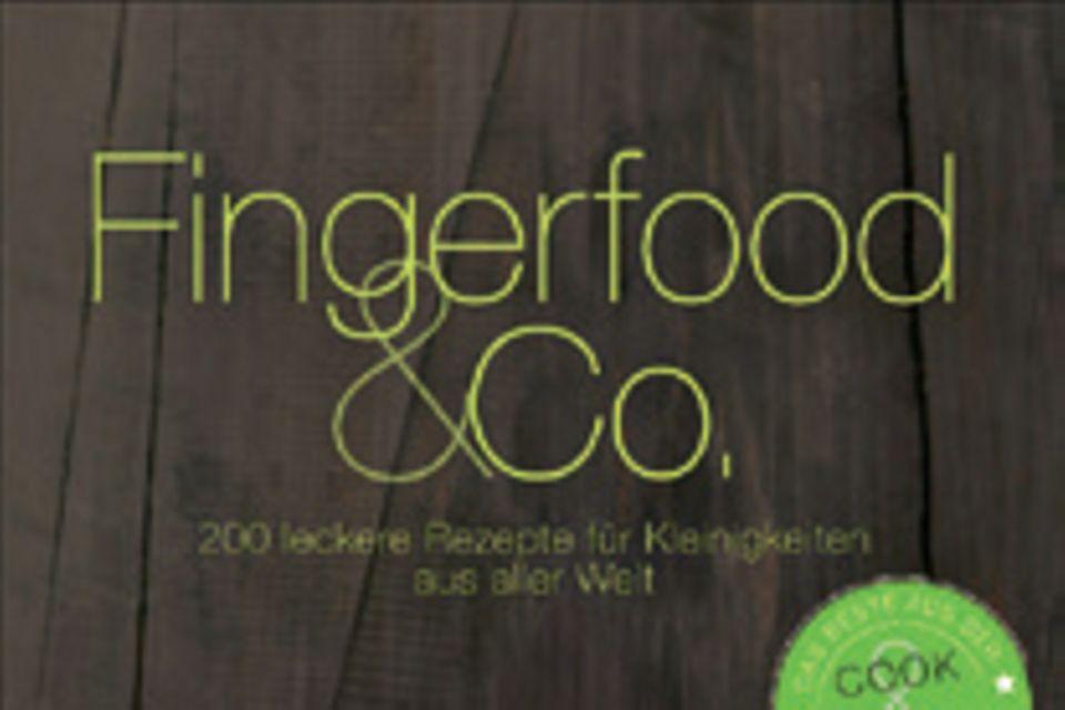 """Am Spieß, im Glas oder auf dem Löffel: 200 raffinierte Fingerfood-Rezeptideen aus aller Welt sorgen für viel Abwechslung auf dem Partybuffet. (""""Fingerfood & Co."""", Christian Verlag, 320 S., 24,99 Euro)"""
