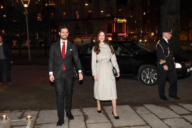 21. Dezember 2017  Gut gelaunt geht es für Prinzessin Sofia und Prinz Karl Philip zum Weihnachtskonzert in der Gustaf Vasa Kirche.