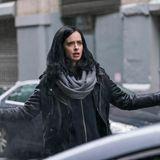 """Fans der Superhelden-Serie """"Jessica Jones"""" können sich den 8. März 2018 rot im Kalender anstreichen. Dann startet auf Netflix endlich die 2. Staffel mit der schrulligen Privatdetektivin."""