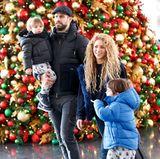24. Dezember 2017  Lange war es still um Gerard Piqué und Shakira. Sogar von Trennung war die Rede. Diese Gerüchte hatten jedoch zum Glück kein Bestand. Jetzt zeigt sich das Paar an Weihnachten glücklich mit den Söhnen Sasha und Milan am Flughafen in New York.