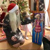 XXL-Geschenk bei den Katzenbergers: Diese Puppe ist fast so groß wie Sophia.