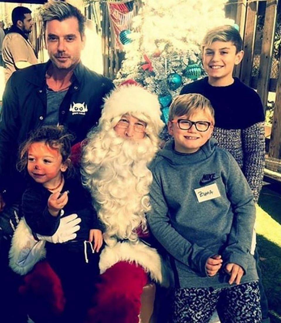 Gavin Rossdale und seine Jungs verraten dem Weihnachtsmann ihre Wünsche.
