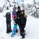 Ally Hilfiger und ihre Familie verbringen die Weihnachtstage im Snowboardurlaub.