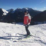 Philipp Lahm hat seine Weihnachtsferien mit Skiern unter den Füßen verbracht und schickt seinen Instagram-Followern dieses sonnige Alpen-Panorama mit herzlichen Feiertagsgrüßen.