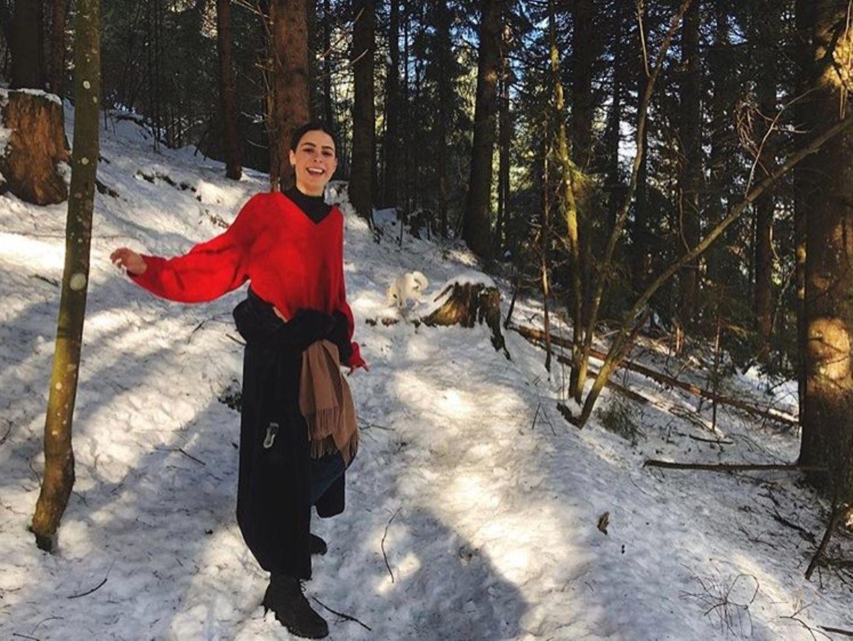 Lena Meyer-Landrut sendet ihren Fans Liebe aus dem verschneiten Kitzbühel.