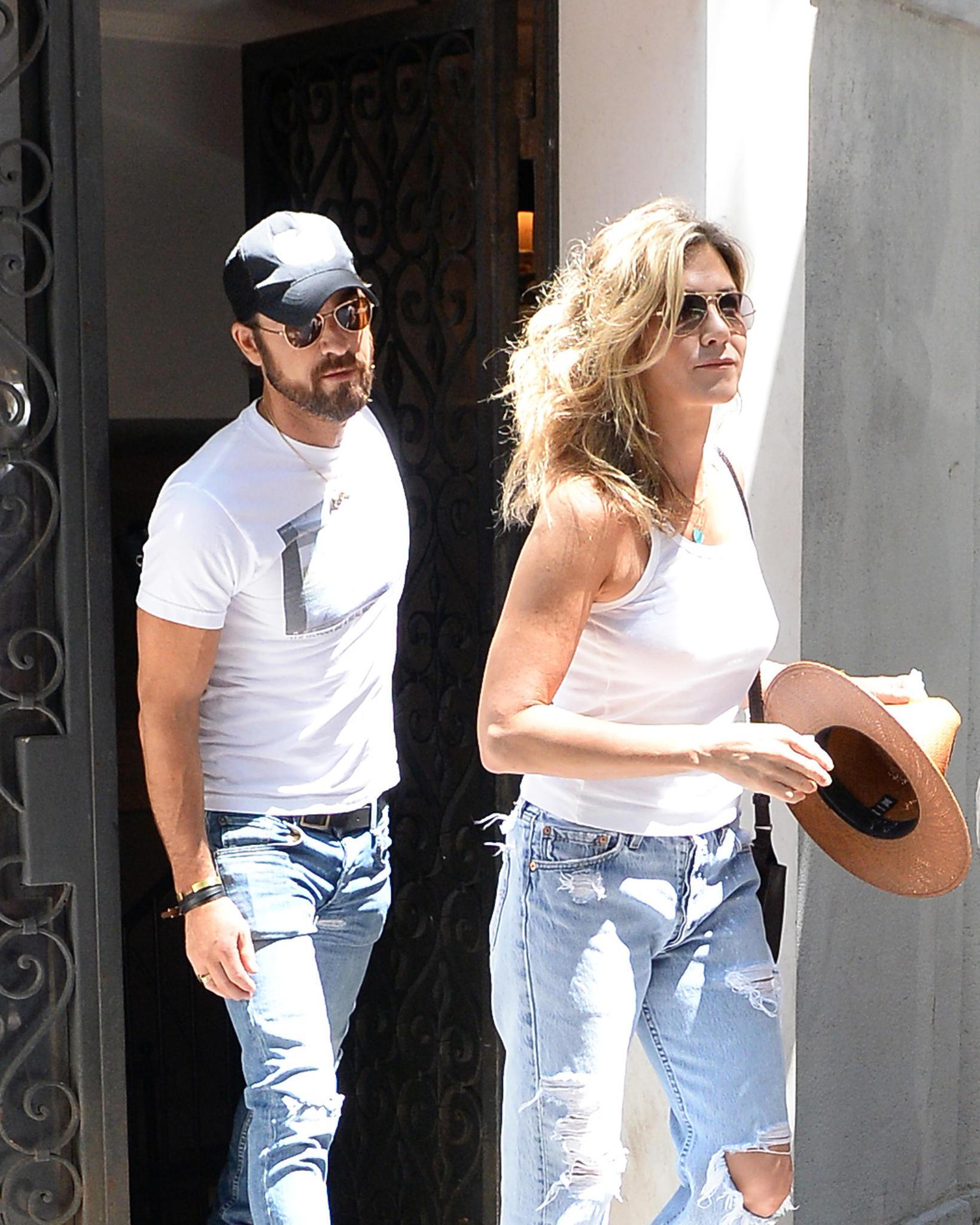 Charmant Jennifer Aniston Gehen Sie Einfach Mit Ihrem Brautkleid ...