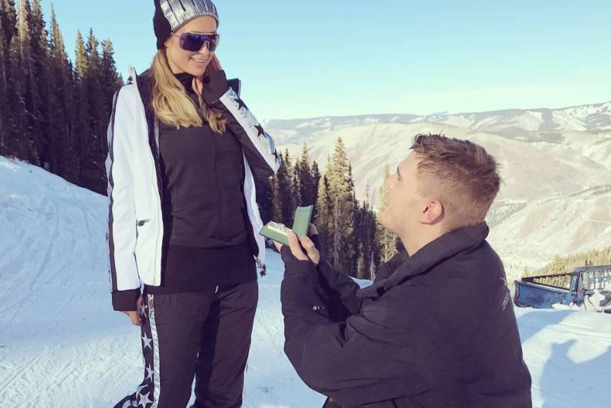 """Paris Hilton sagt """"Ja"""" zum Antrag von Chris Zylka"""