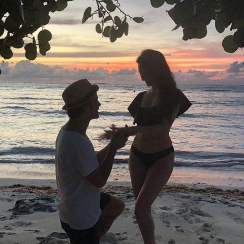 Mit diesem schönen Ring verkündet Alexa Ray Joel ihre Verlobung