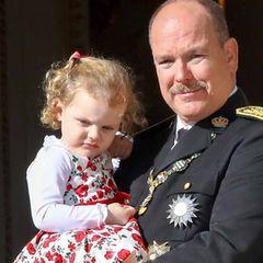 2. Prinzessin Gabriella, Gräfin von Carladès, Tochter von Fürst Albert und Fürstin Charlène. Obwohl sie einige Minuten älter ist als ihr Zwillingsbruder Prinz Jacques rangiert sie hinter ihm.