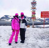 Zwei Unterwäwsche-Engel auf sexy Mission im ewigen Eis. Josephine Skriver und Jasmine Tookes halten einige Eindrücke ihrer Reise für Instagram fest.