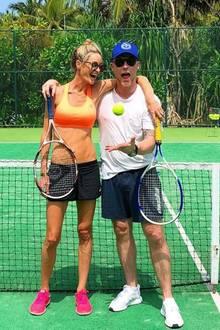 Storm und Ronan Keating sehen super fit aus. Wie sie das schaffen? Unter anderem mit spaßigen und schweißtreibenden Tennispartien.